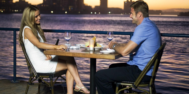 waterfront-dining-sunshine-coast