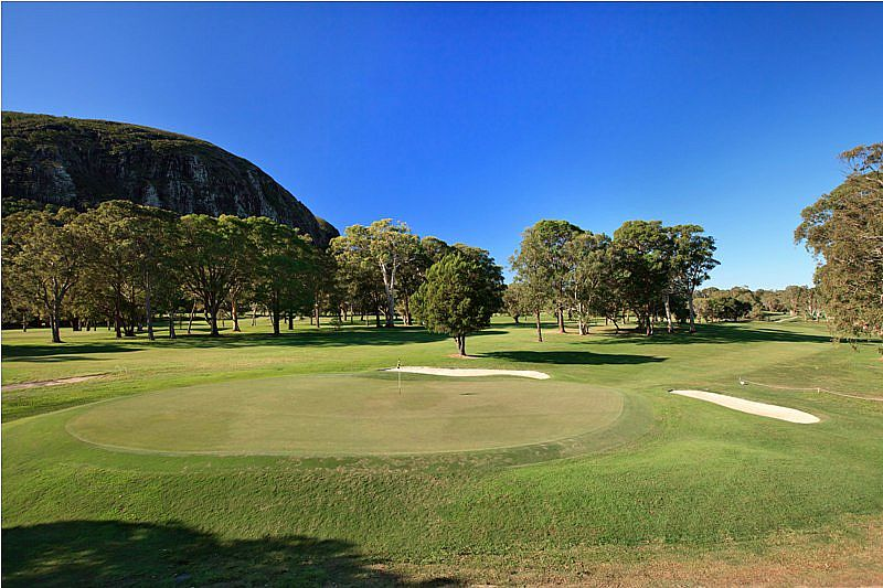 mount-coolum-golf