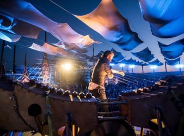 Horizon Festival - Earth Harp Performance
